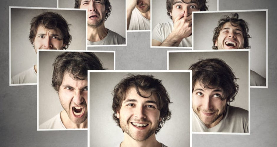 Online advertising using customer emotions